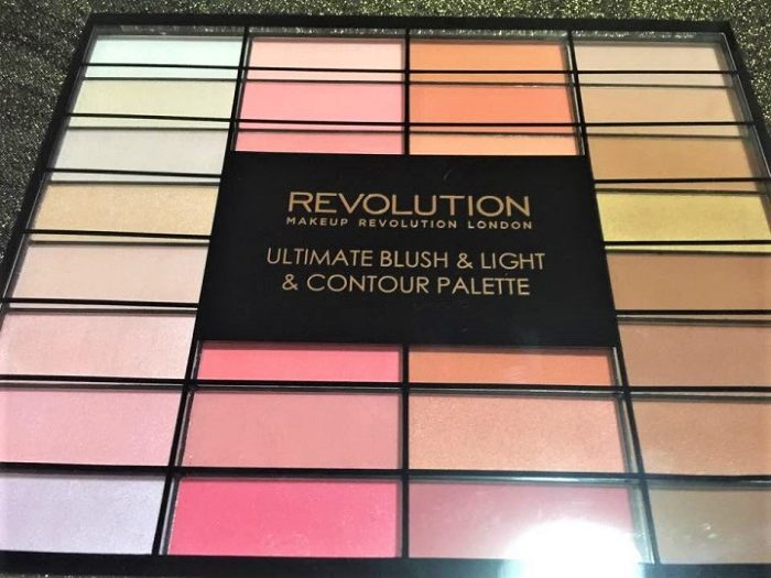 Ultimate blush & light contour palette