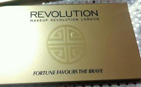 "REVIEW | PALETTE FORTUNE FAVOURS THE BRAVE ""Makeup Revolution"" 