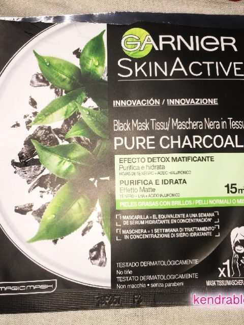 Garnier: Black Mask Pure Charcoal